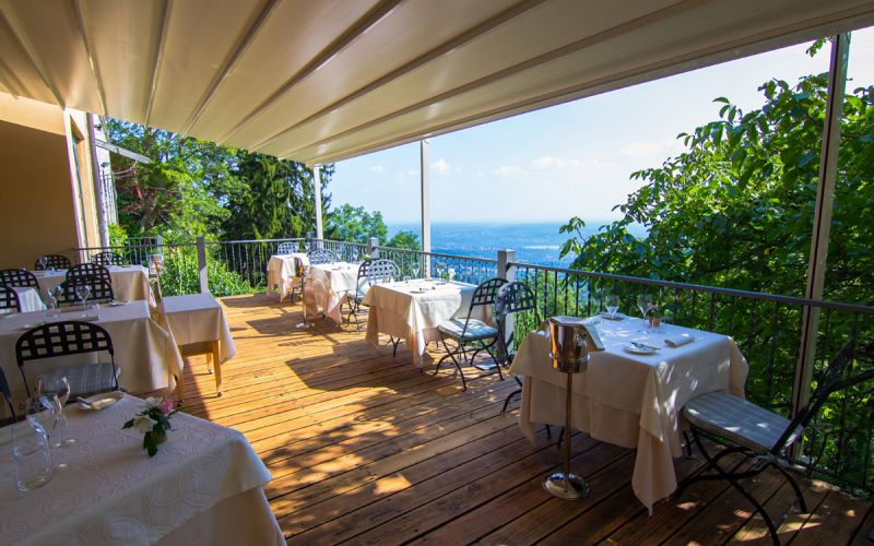 COUPLE WEEKEND PACKAGE AT HOTEL COLONNE