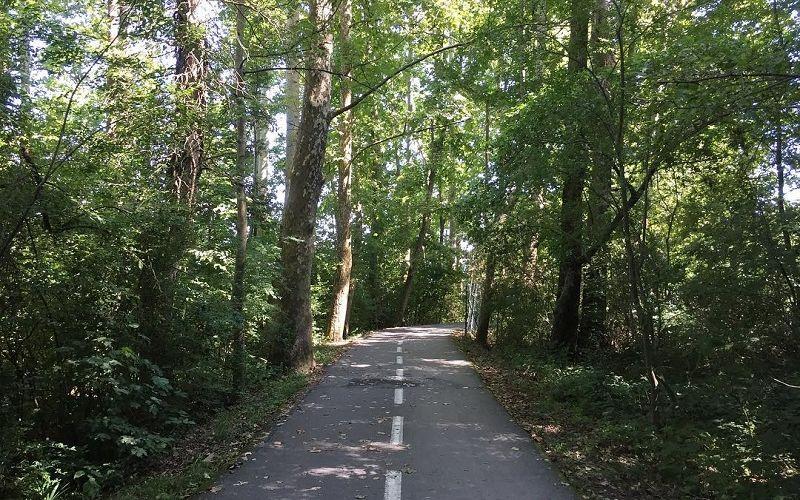 Ring bike path of Lake Varese