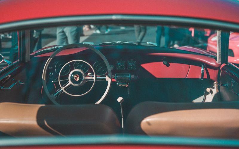 VI Guidando l'arte: Porsche storiche