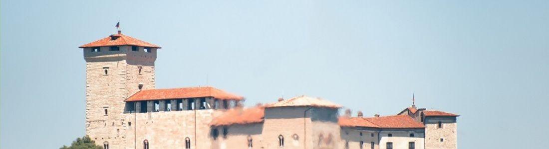 Rocca di Angera Il Castello, il Museo della Bambola e del Giocattolo, il Giardino Medievale